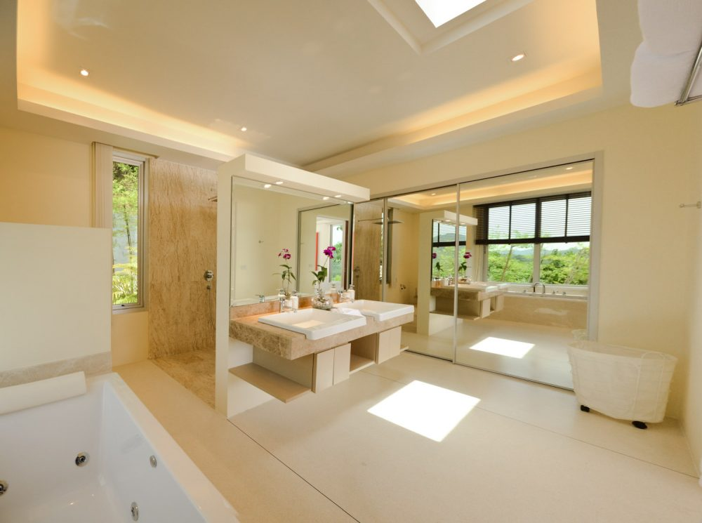 9 tvol 17 master bathroom