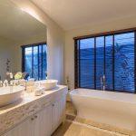 Phuketin Loma-asunnot – Nai Harn Beach (20)