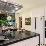 Phuketin Loma-asunnot – Nai Harn Beach (31)
