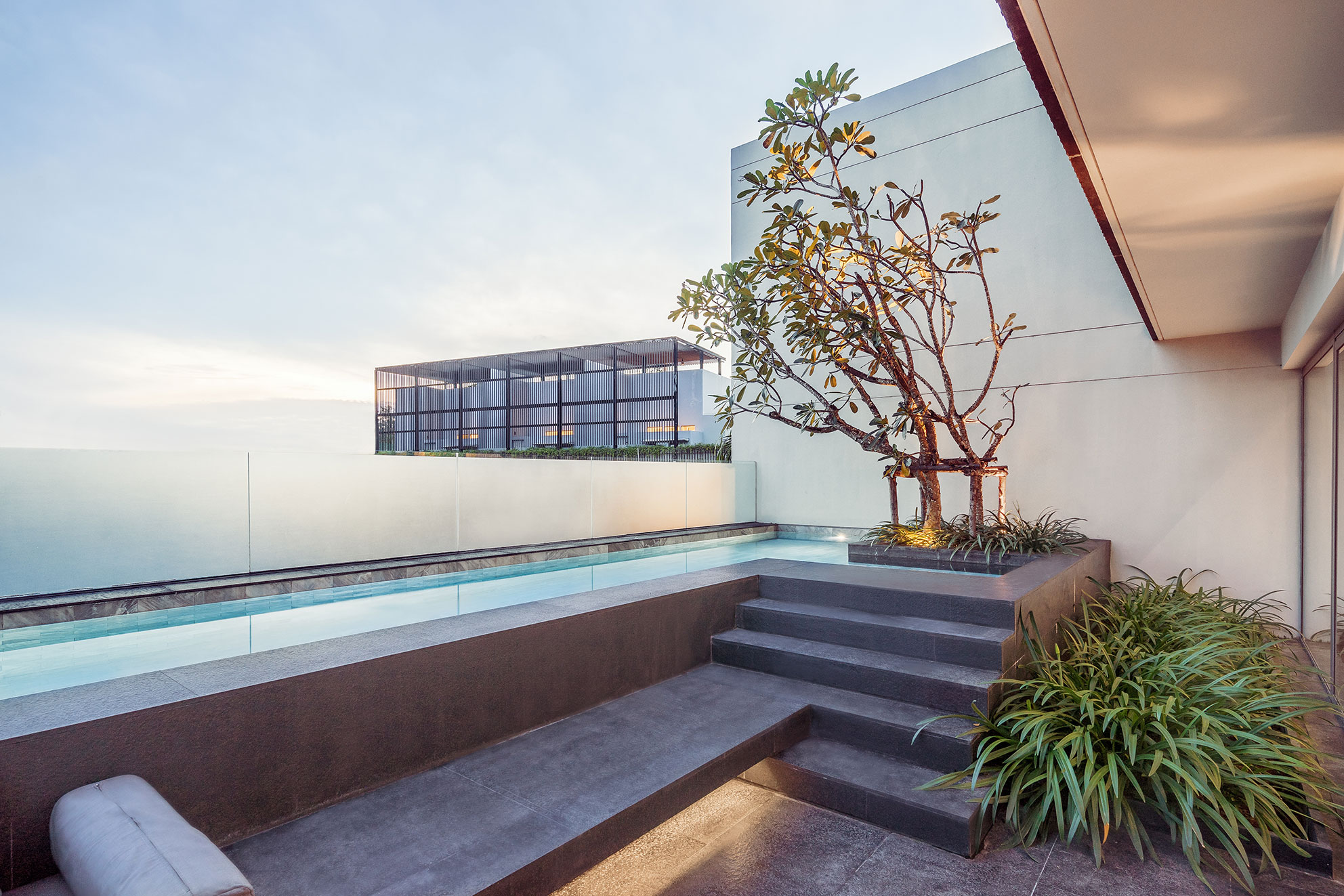 Phuketin Loma-asunnot – Surin Beach Penhouse&Duplex (21)