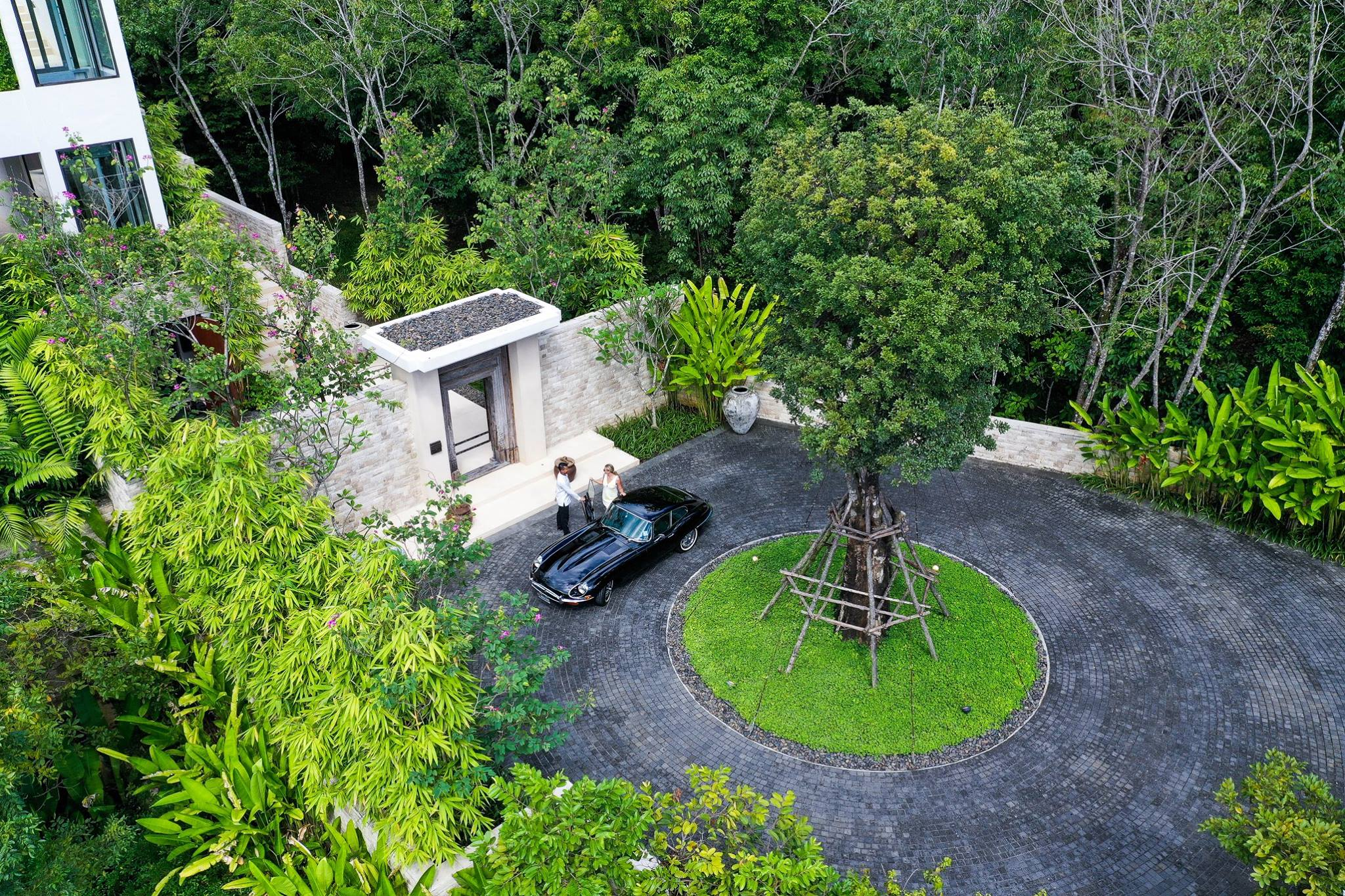 Phuketin Loma-asunnot – Layan Villa (28)
