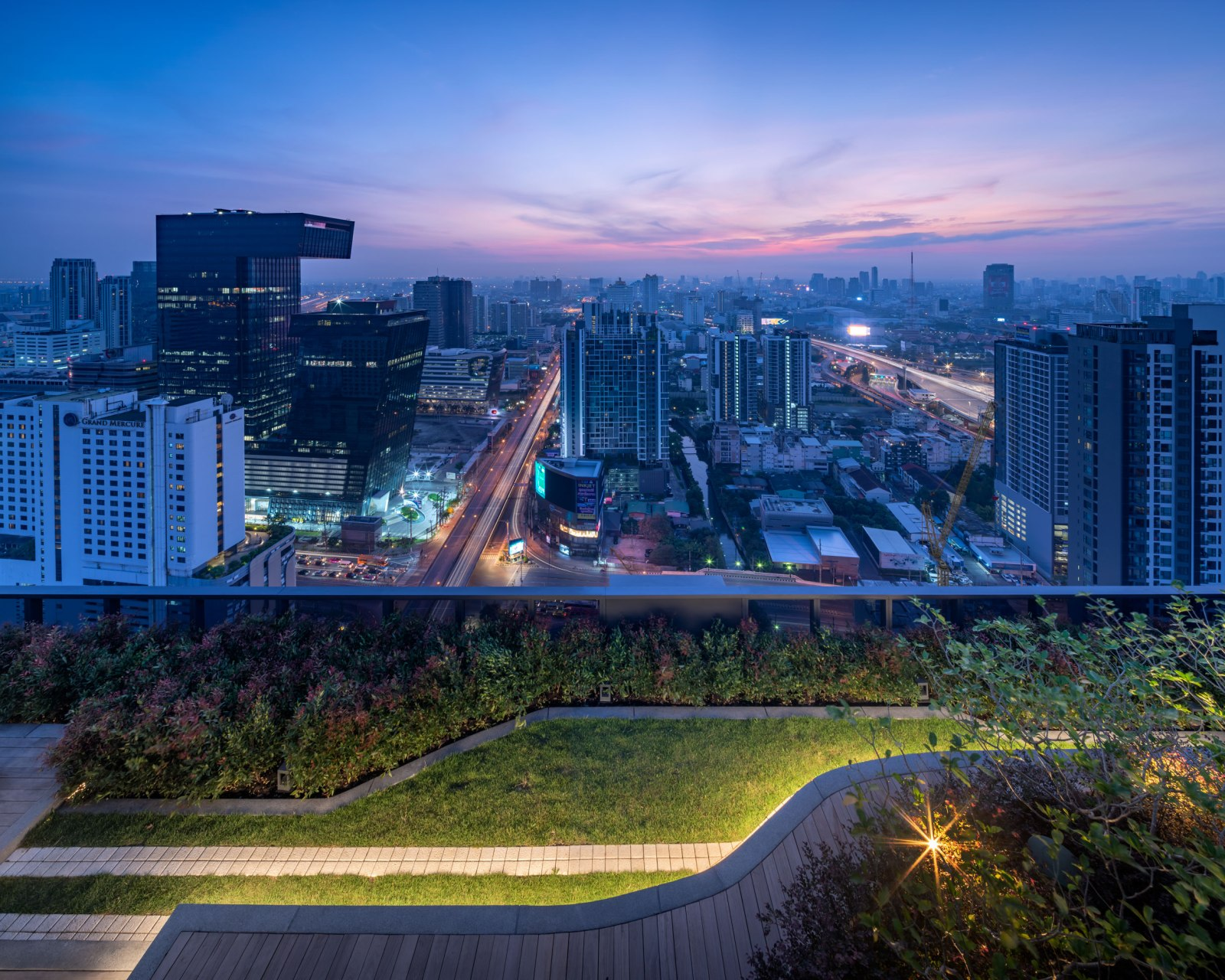 Phuketin Loma-asunnot – Bangkok Asoke (1)